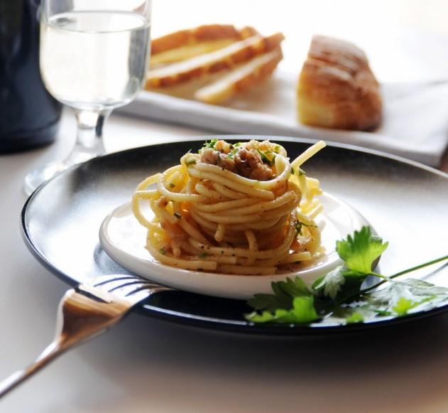 Spaghetti Tonno Curcuma e Prosecco